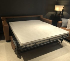 Like a real bed, generous sleeping dimensions (80x198cm, 143x198cm and 163x198 cm) with a minimum total bulk